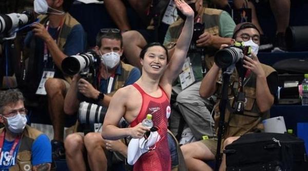 瀛奥运·人物丨逆转张雨霏的百米新蝶后,居然是被加拿大夫妇收养的华裔选手
