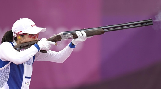 """金鸿一瞥丨接过姐姐的""""枪"""",她也站到了奥运领奖台上"""