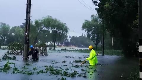 """全力打好""""排涝战""""!金山区内河水位刷新高 廊下镇昨晚25个供电点紧急拉停"""