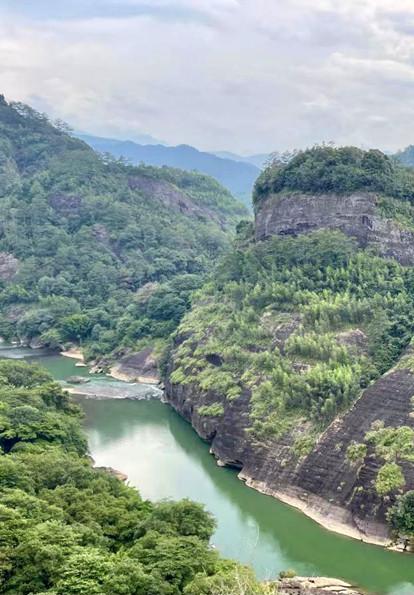 到武夷山享受漂流的清凉.jpg