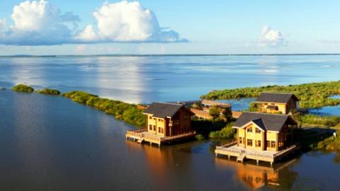 静享黑龙江的湖水清凉