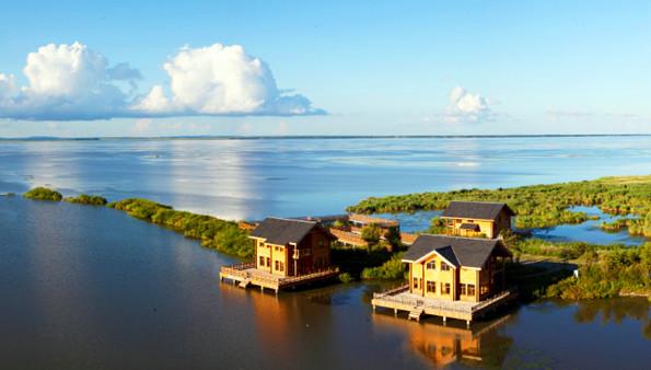 静享黑龙江的湖水清凉.jpg