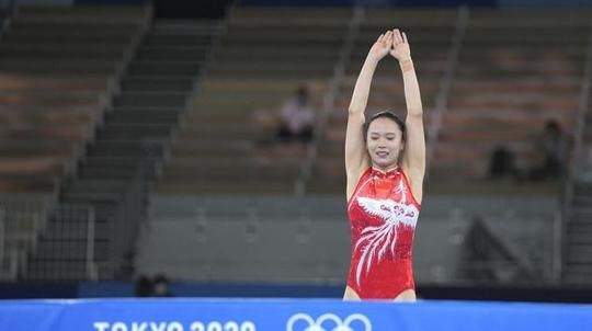 """能拿金牌,也会""""撒狗粮"""" 蹦床冠军朱雪莹的生活很甜蜜"""