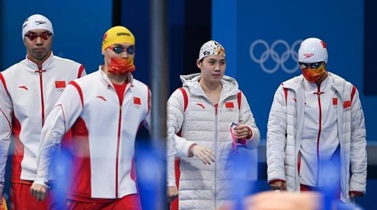 上午这场男女混合泳接力——比的是田忌赛马