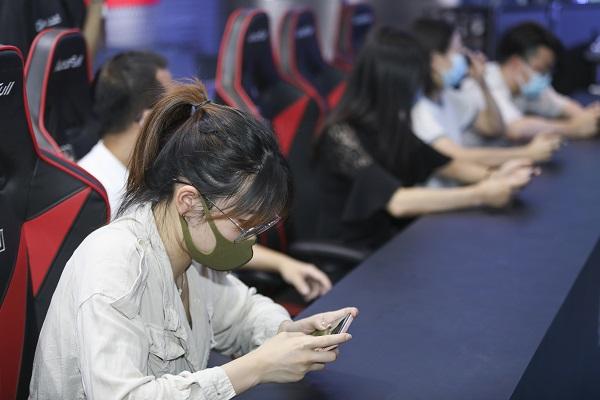 电竞嘉年华在上海中心精彩上演