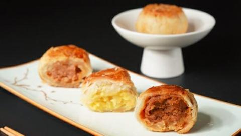 青花椒腊肉、榴莲酥新口味月饼……老字号创新月饼已出炉