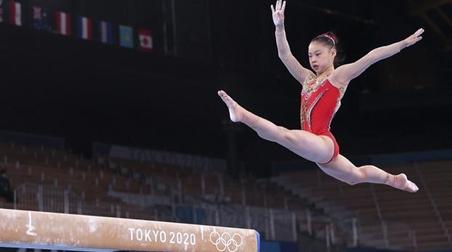 中国体操圆满收官!管晨辰夺得东京奥运会平衡木冠军