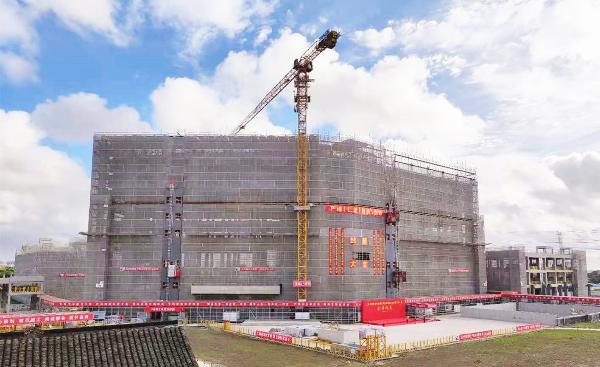 龙华医院浦东院区新建工程整体结构今日封顶 预计于2023年1月竣工