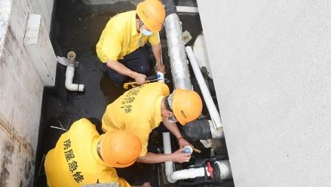 上午处置 家中水流量变小 应急维修人员半小时解决难题