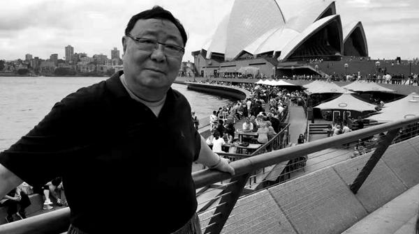 《老娘舅》导演屠耀麟去世,他挑遍上海滩的滑稽演员,才选中李九松
