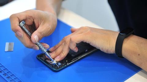 修完手机 账户4万多元余额竟不翼而飞