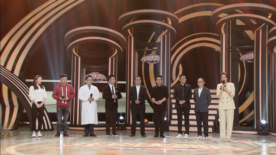 中国戏曲《明星》和《厚脸皮》在同一舞台上,新版《戏剧舞台》展现出别样的魅力